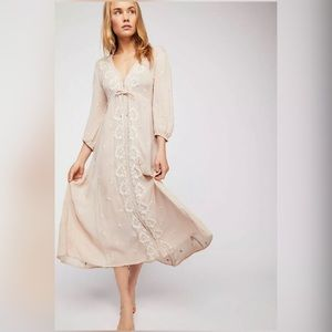 5ef13577f0a5 Anthropologie Dresses | Lazybones Cityscape White Patterned Midi ...